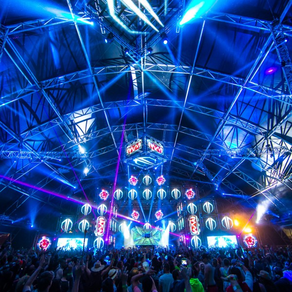 EDM-stage-design-coachella-sahara-tent-2013