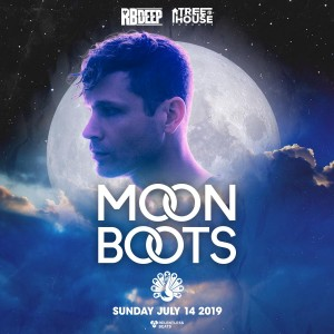 Moon Boots on 07/14/19